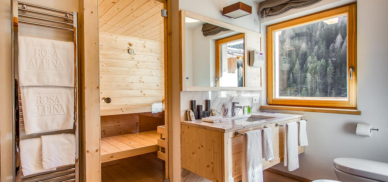Bathroom with Finnish sauna in Apartment Sorega