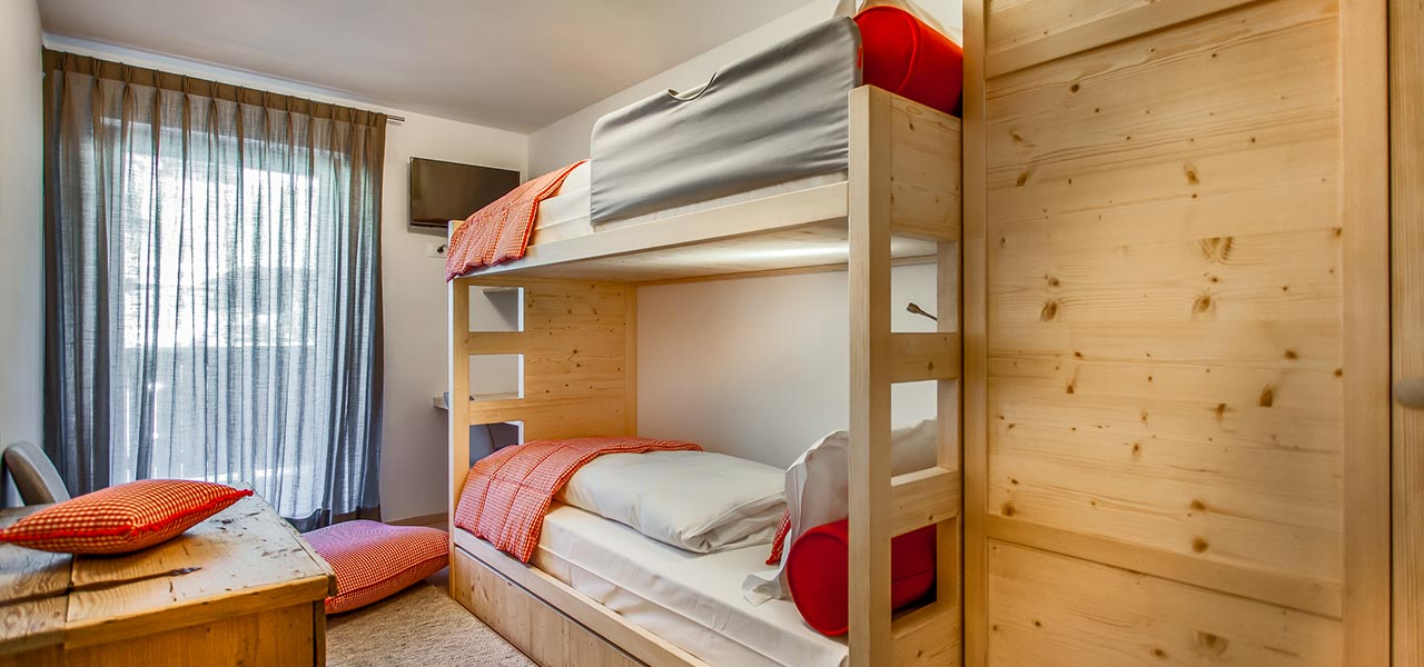Bedroom with bunk bed in Apartment Sorega